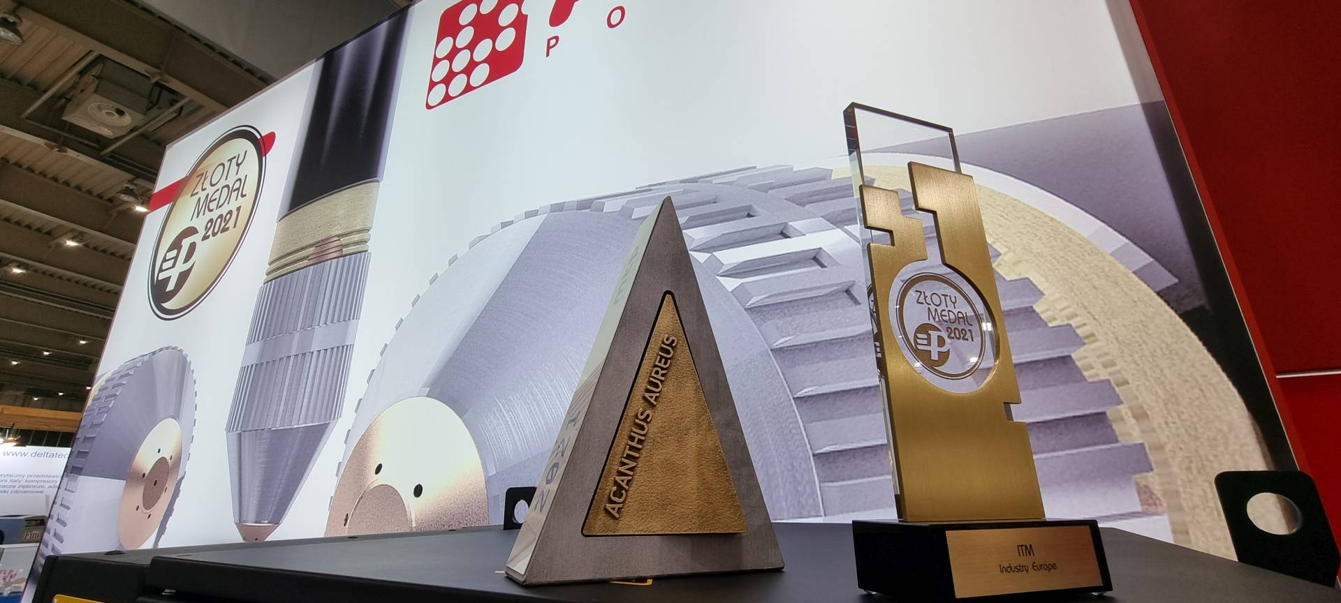 Acanthus Aureus - nagroda dla AJAN POLSKA za nowoczesną prezentację oferowanych maszyn